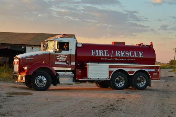 Unit 2641 : 2002 Kenworth Tender (Station 1)